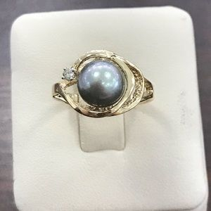 Jewelry - 14k yellow gold black pearl ring
